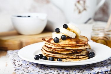 Healthy 2-Ingredient Banana Pancakes