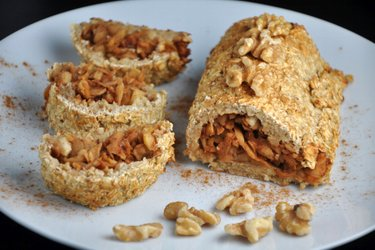 Fitness Apple Oatmeal Strudel
