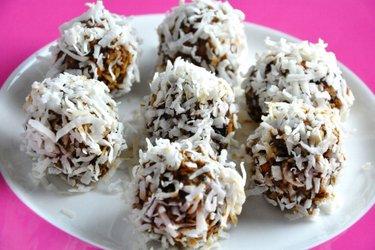 Plum-Cinnamon Balls (Gluten—Free, Sugar-Free)