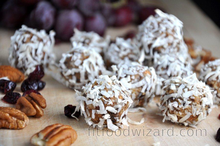 Healthy Gingerbread Balls (Gluten-Free, Sugar-Free)