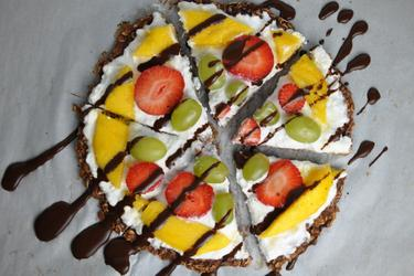 Healthy Oatmeal Fruit Pizza