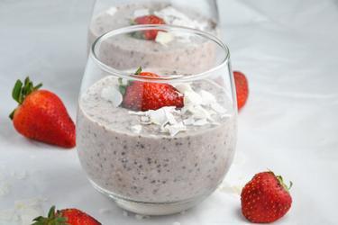 Healthy Strawberry Overnight Oats