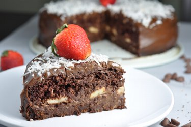 "Healthy Chocolate Fitness Cake ""Chocoholic"""