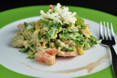 Fitness Salad with Tuna, Peas and Cheese