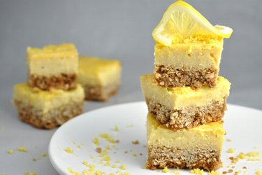 Sweet and Sour Lemon Dessert without Flour