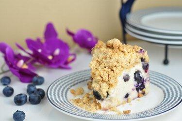 Blueberry yogurt cake with crunchy crumble