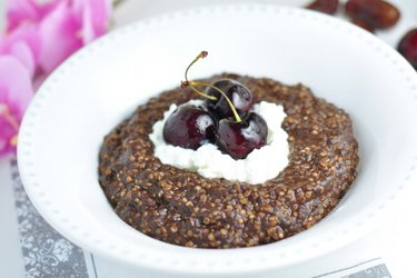 Quinoa Porridge with Coffee and Cocoa