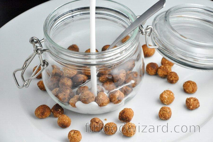 Healthy Cereal Balls (vanilla/cocoa)