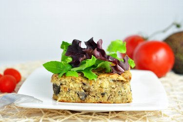 Baked millet with mushrooms and sardines