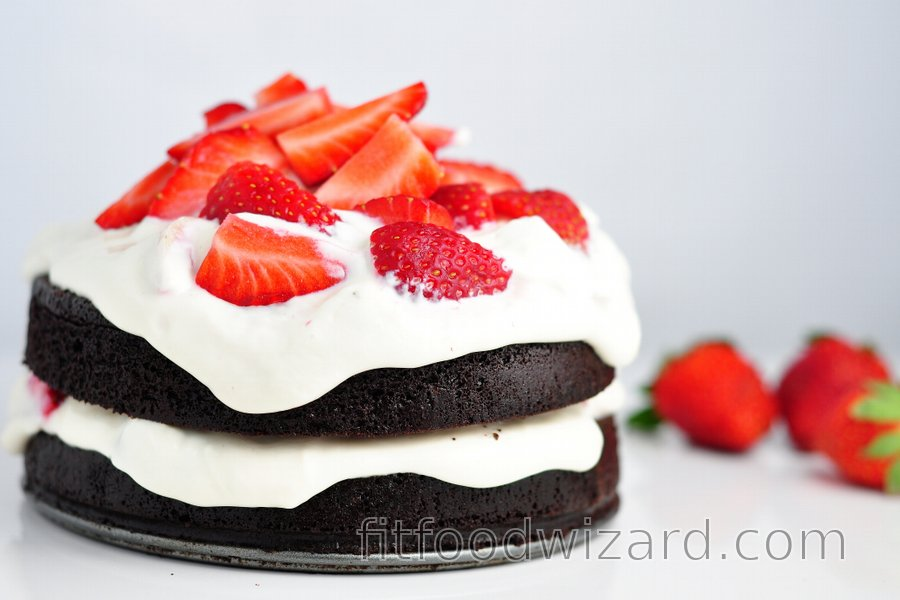 Healthy Flourless Cocoa Cake with Strawberry-Quark Cream