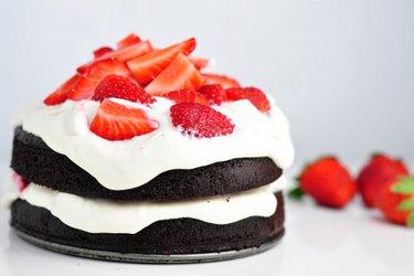 Healthy Flourless Cocoa Cake with Strawberry-Quark Cream