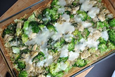Baked Quinoa with Broccoli and Chicken