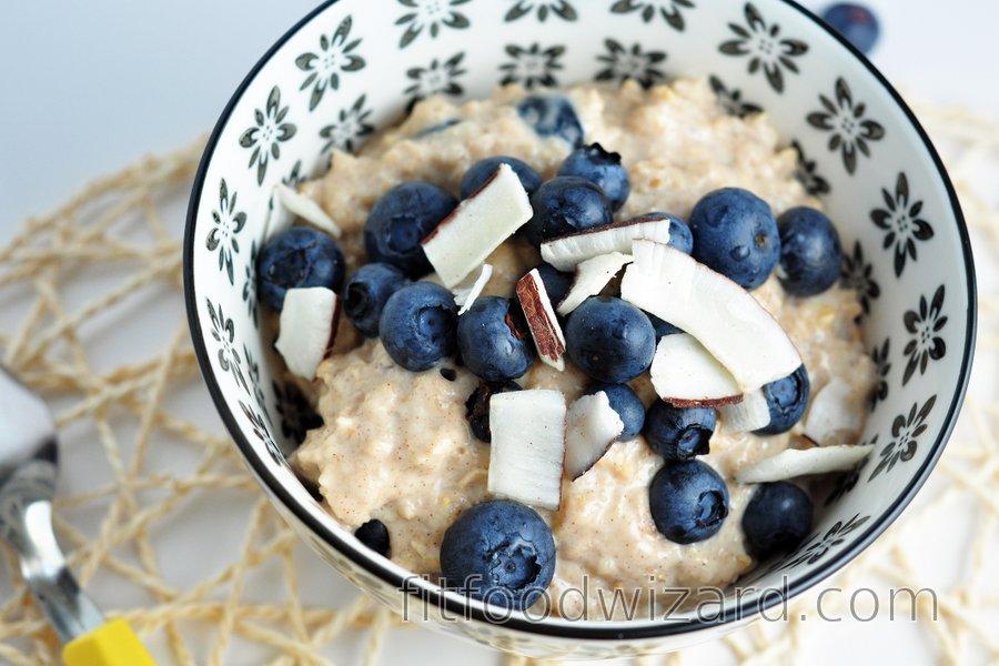 """""""Blueberry cheesecake"""" oatmeal"""