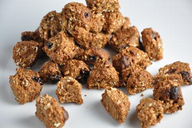 Healthy Homemade Coconut and Chocolate Cereal