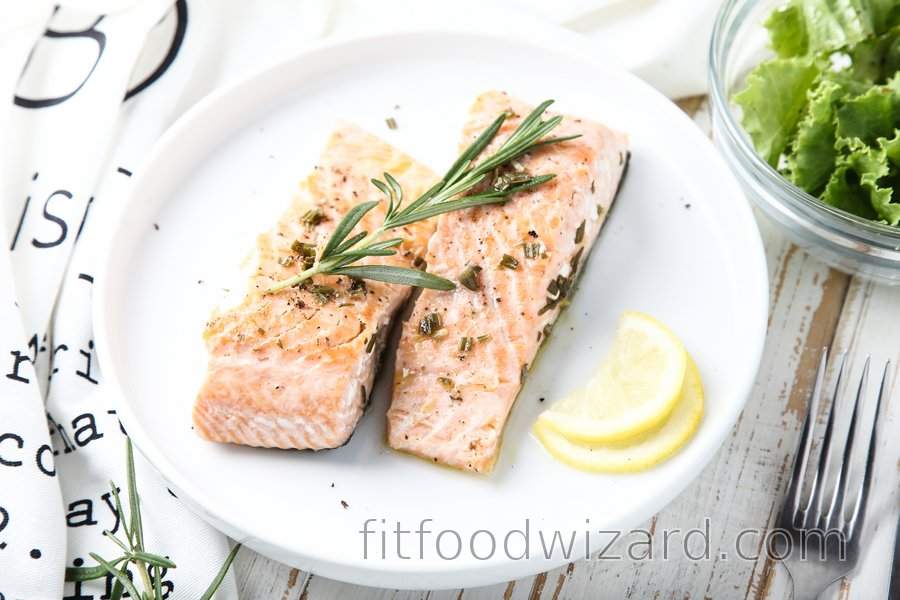 Fit salmon with lemon and rosemary