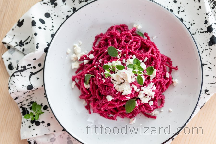 Simple pasta with beetroot pesto