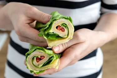 Low-carb lettuce wrap
